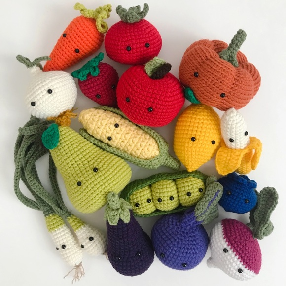 Adorable Fruits Vegetables to Crochet: Delicious Decorations for ... | 580x580